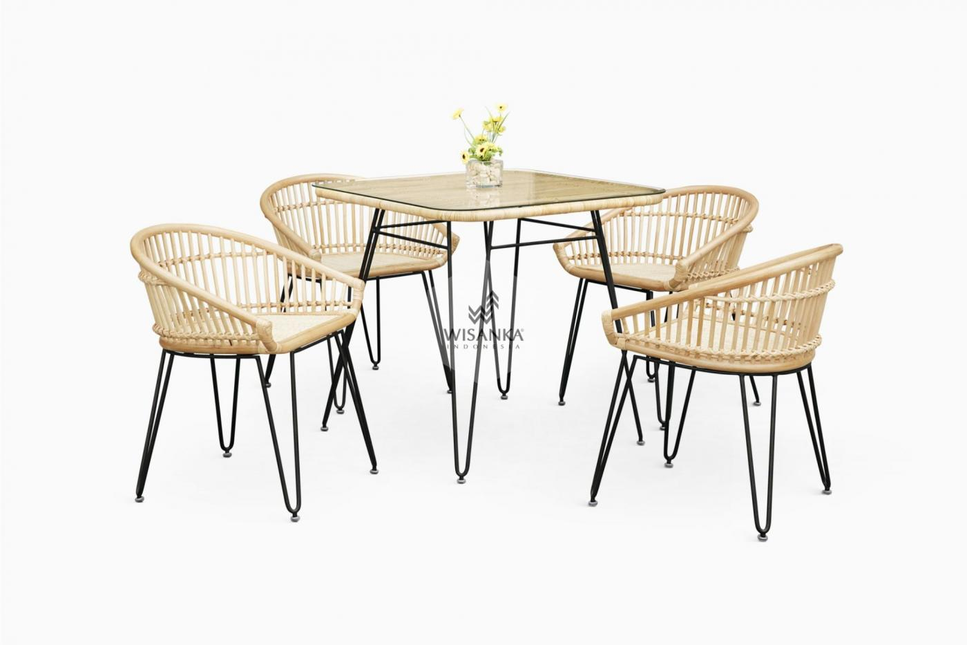 Wicker Dining Table And Chairs